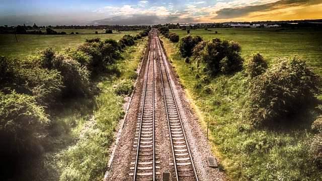 vrste transporta - Železnički transport